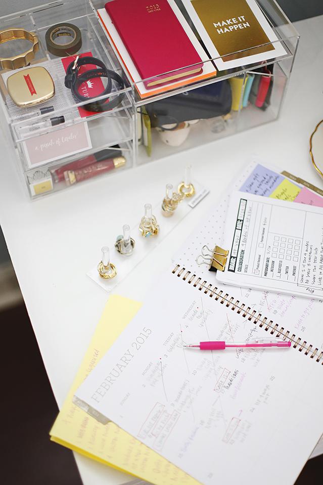 blog content calendar organization