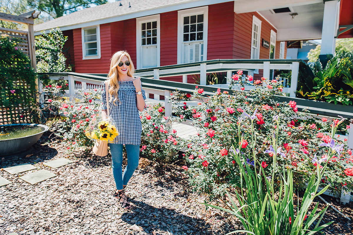 how to wear the spring gingham trend
