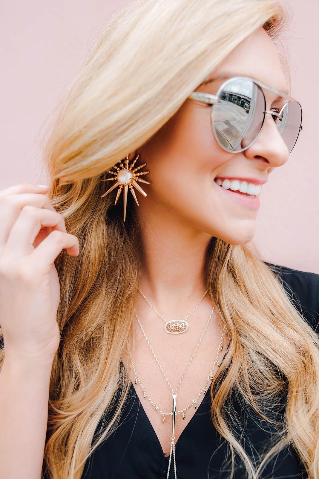 Kendra Scott Dollie necklace / apinchoflovely.com