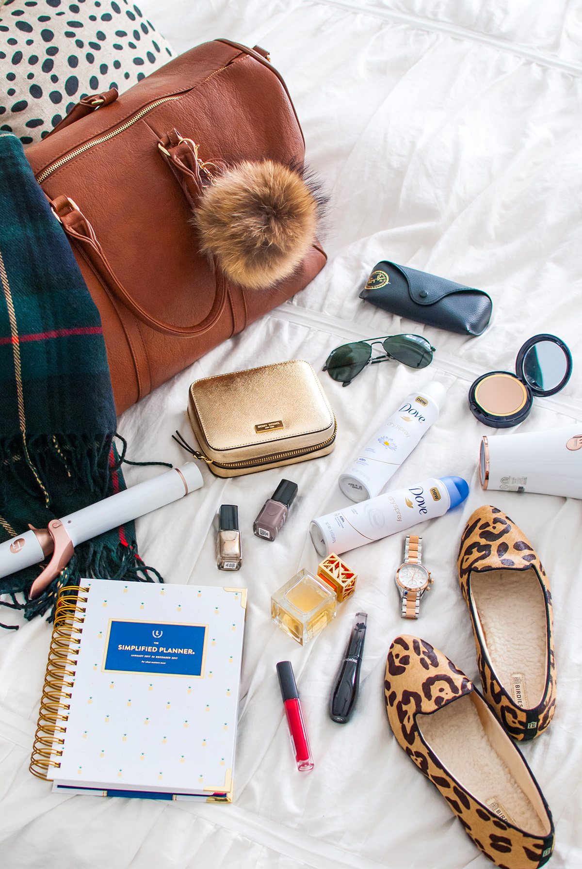 holiday travel tips and essentials