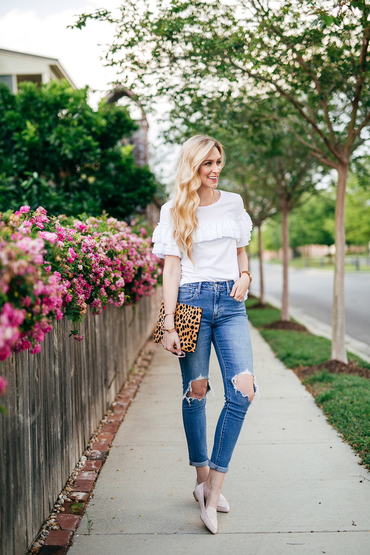Ways to Wear the Summer Tee | Banana Republic summer t-shirt styles