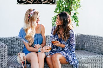 Summer Chambray Dress Styles   Summer Outfit Ideas   The Round Bag Trend