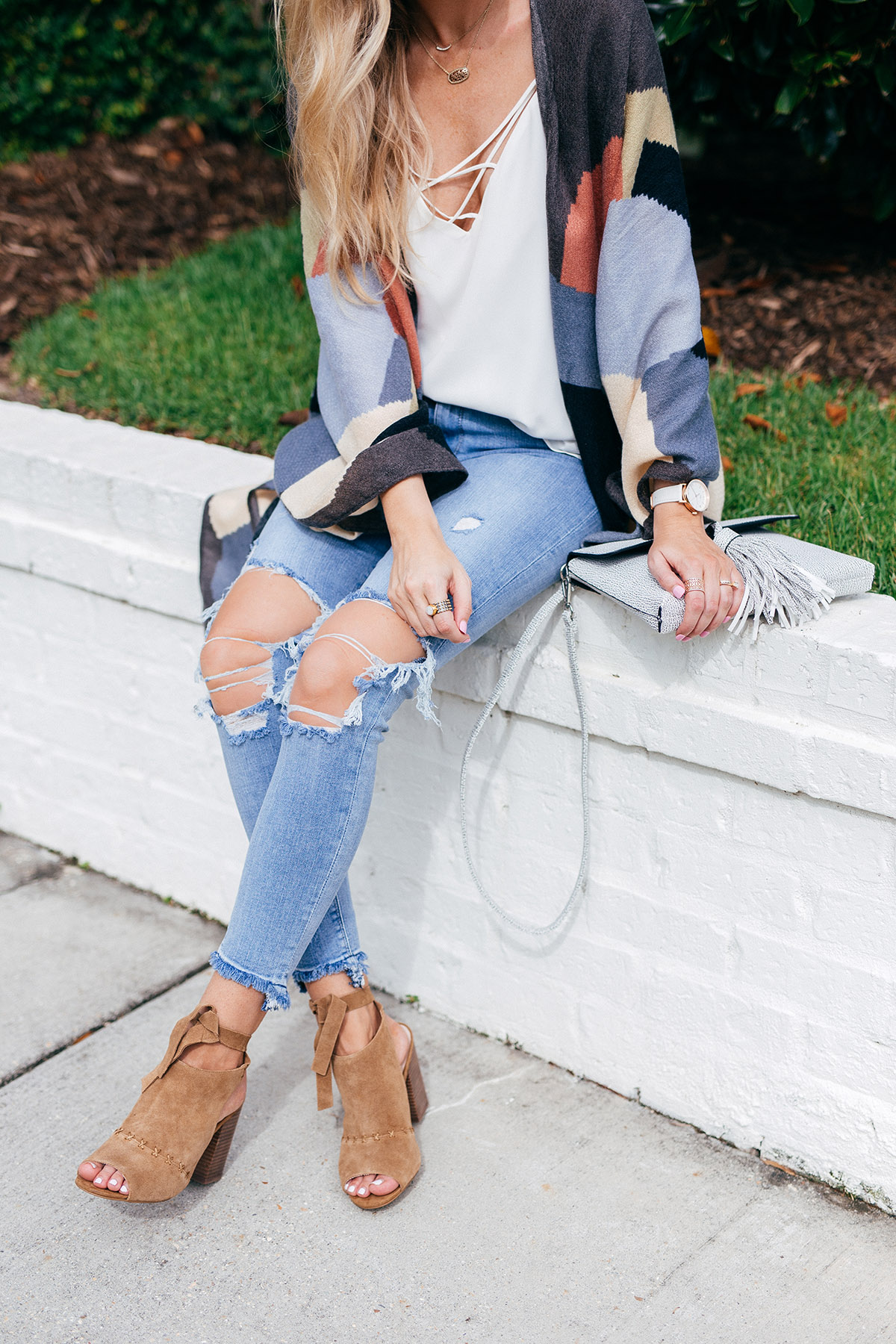 Late Summer Outfit Ideas | Transitioning Into Fall | Distressed Jeans and Open Toe Booties