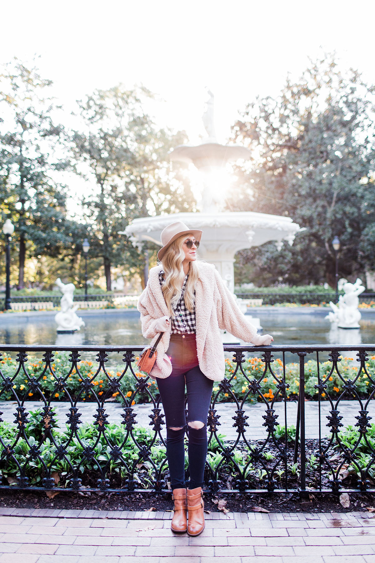Soffy Baywood Booties | Savannah Forsyth Park | Outdoor Fall Activities
