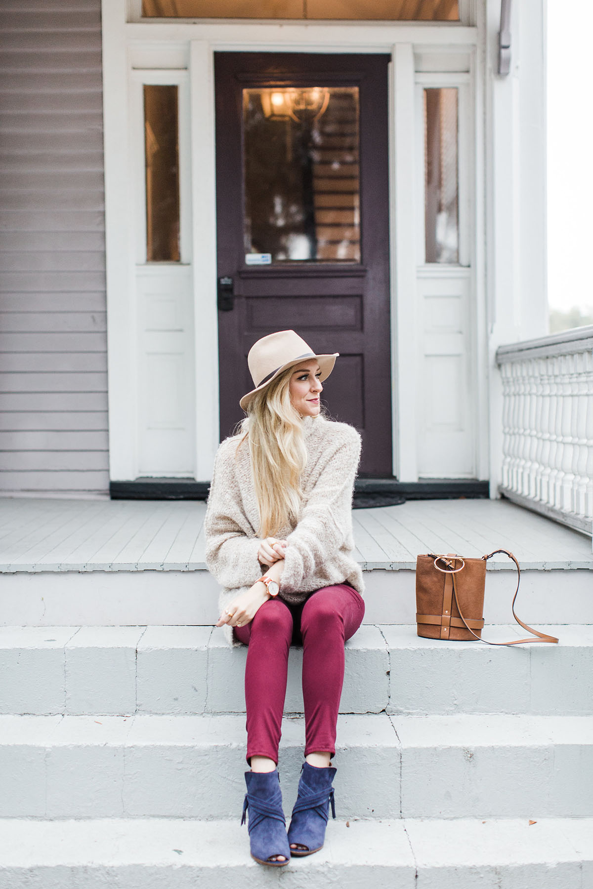 Adding Color Into Your Fall Wardrobe | Navy Open Toe Booties | Hudson Jeans in Burgundy | Free People Knit Turtleneck Sweater