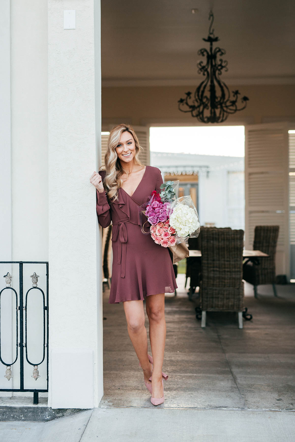 Valentine's Day Date Night Ideas | Date Night Dresses