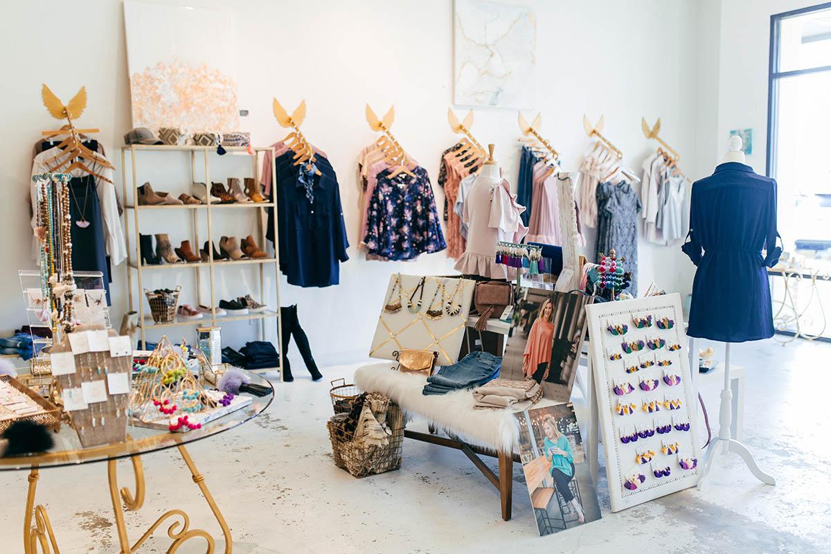 How To Shop My Closet   Blogger Closet Sale ...
