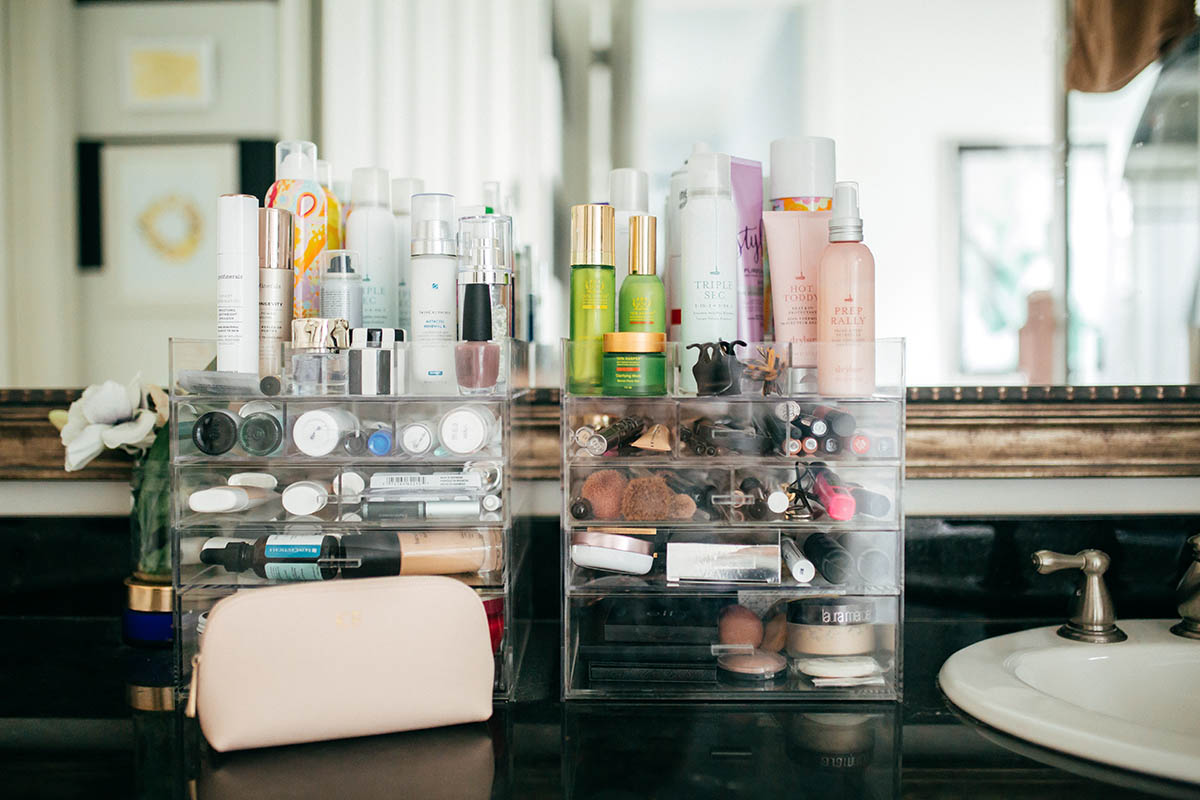 Acrylic Makeup Organizers   Tips to Getting More Organized