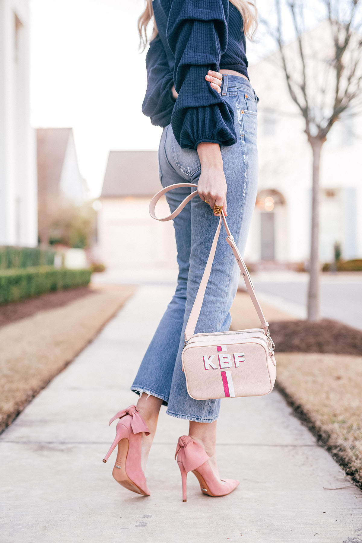 4 Tips On Delegating Tasks to Get Stuff Done + Cropped Denim For Spring | Handpainted Monogram Crossbody | Schutz Pink Bow Pumps