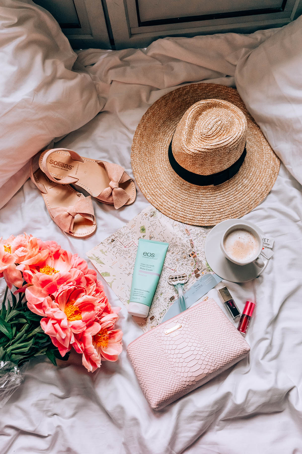 Products to Pack for Long-Haul Trips | EOS Sensitive Shaving Cream