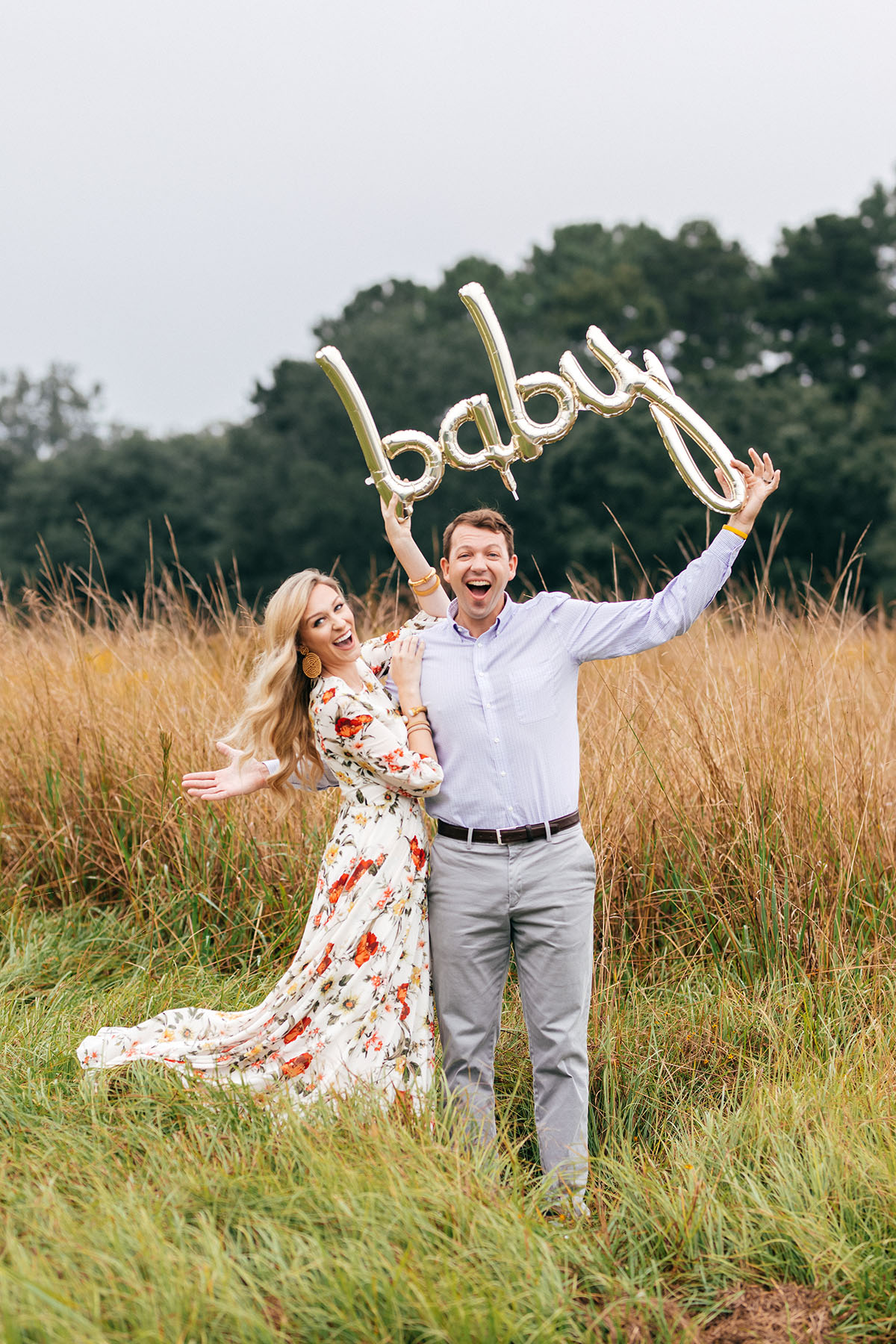 Fall Baby Announcement Idea | Gold Baby Balloon